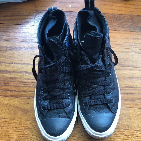Men's Black converse sneakers size 10